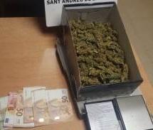 Marihuana y dinero incautado en el control de Sant Andreu de la Barca