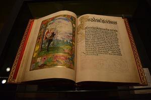 Tesoros bibliográficos, códices históricos e incunables en el Aeropuerto del Prat