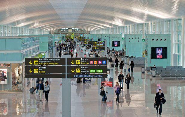 Mossos d'Esquadra y Policía Nacional blindan el Aeropuerto de El Prat