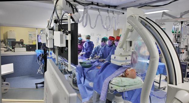 El Hospital de Bellvitge realiza con éxito una intervención pionera en un corazón trasplantado