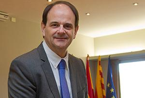 El socialista Josep Perpinyà renuncia a la alcaldía de Sant Just Desvern por motivos de salud