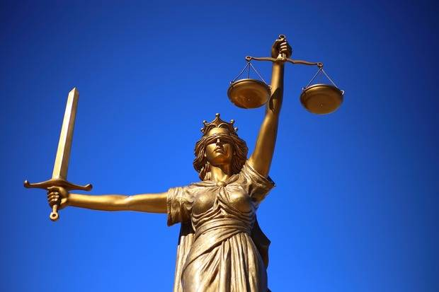 Una oportunitat per recuperar la justícia universal
