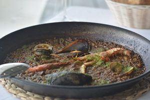 La Daurada: como prolongar el verano con un arroz frente al mar
