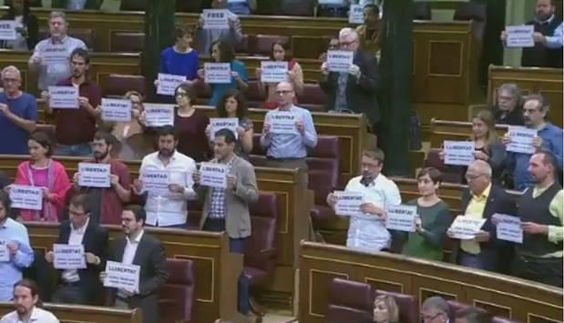 Diputados de Unidos Podemos, ERC y PDECAT piden, en el Congreso, la libertad de Jordi Sánchez y Jordi Cuixart