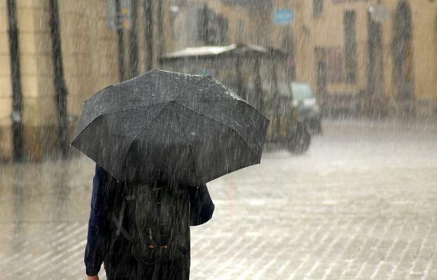 Las lluvias dejan a más de 5.000 personas sin luz en Sant Boi