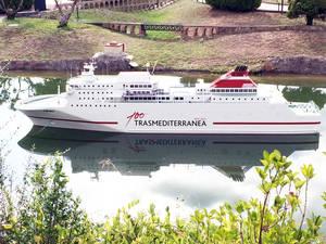 Un barco de Transmediterr�nea atraca este 11-S en Catalunya en Miniatura