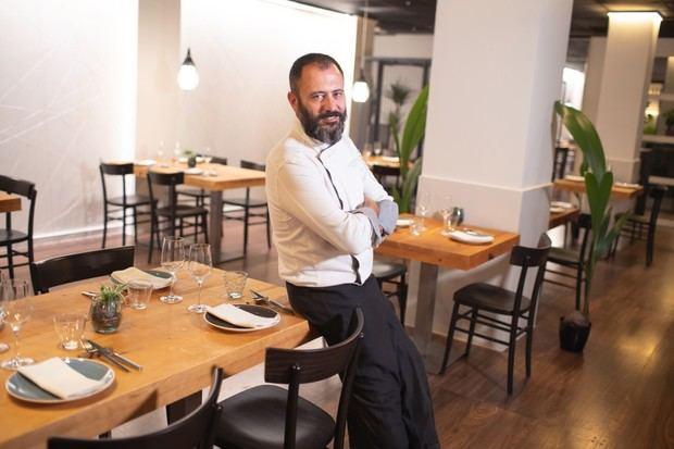 El chef Albert Mendiola lleva la cocina del Baix Llobregat a Barcelona