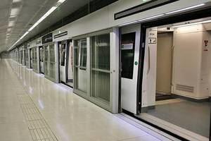 Línea automática con metros sin conductor como la L9 o L10.