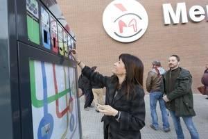 Gavà instal·la quinze minideixalleries per incentivar el reciclatge de petits residus domèstics