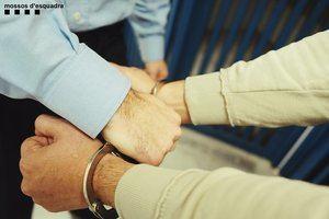 Prisión para dos hombres por atracar una joyería en L'Hospitalet