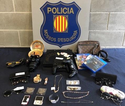 Prisión para un hombre por robar en Sant Boi y Castellví de Rosanes