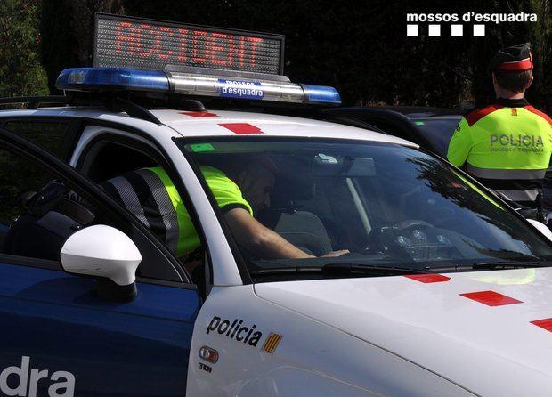 Detenido por triplicar la tasa de alcoholemia y accidentarse en la A-2 en Esparreguera