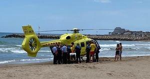 En estado muy grave una niña ahogada en una playa de Sitges