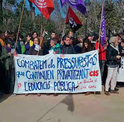 Los docentes 'suspenden' los presupuestos con protestas