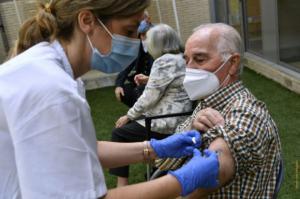 El 71,3% de la población de Castelldefels tiene la pauta de vacunación completa