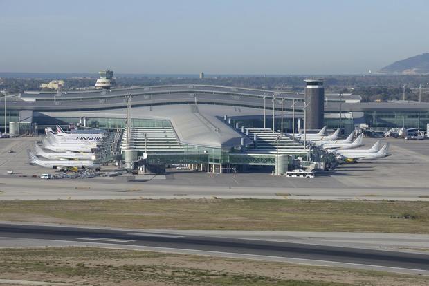 La actividad en el aeropuerto de El Prat sigue cayendo después de un año de covid-19