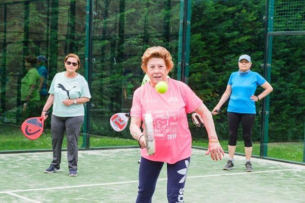 El Ayuntamiento de Sant Joan Despí ofrece 15 talleres para la gente mayor que incentiva el envejecimiento activo