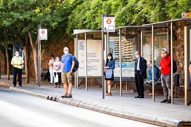 Viladecans y Sant Boi estrenan las nuevas paradas dobles de autobús metropolitanas