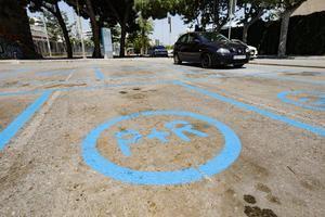 Cornellá estrena su primer park&ride metropolitano junto a la estación de Cercanías