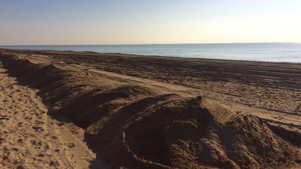 Arena extra para la playa de Gavà