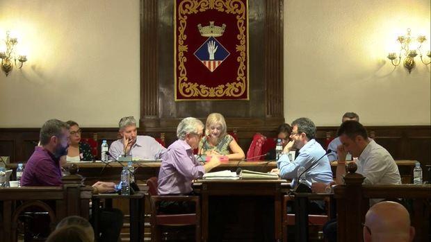 Pleno municipal en el Ayuntamiento de Esplugues