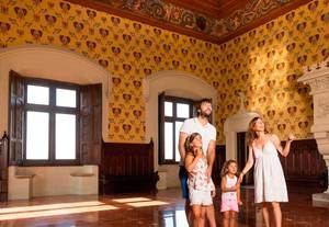 Viatge al passat de la Colònia Güell a la 15ª Festa del Modernisme