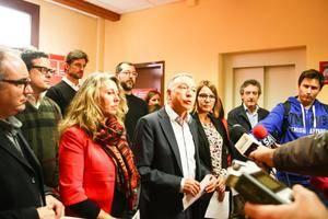 L'alcalde de Sant Joan Desp�, Antoni Poveda, al centre, �s el primer secretari del PSC al Baix Llobregat