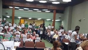 L'Hospitalet rechaza la aplicación del 155 pero no pide la dimisión de Rajoy y la liberación de los 'Jordis'