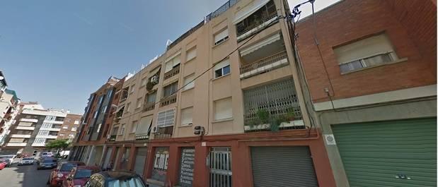 Dos heridos por intoxicación en un incendio de una cocina en Sant Boi