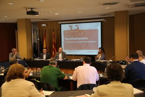 Presentación de las recomendaciones para la circulación de bicicletas, patinetes y otros vehículos de movilidad personal en la sede del AMB.