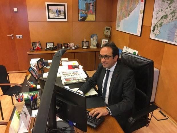Josep Rull publicó esta imagen en su cuenta de Twitter a primera hora de la mañana. Una de las hipótesis es que el hasta ahora conseller de Territori i Sostenibilitat gane peso en la próxima lista del PDeCAT