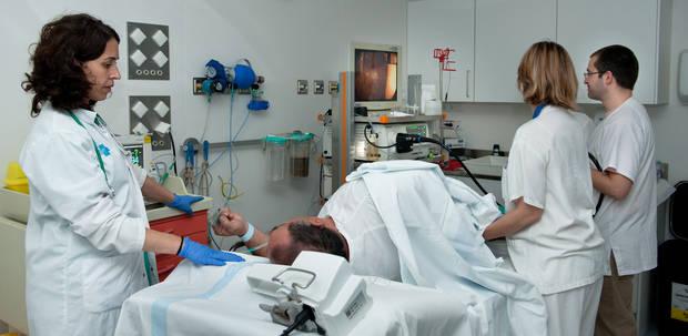 L'Hospital de Viladecans inaugura dues de les tres sales d'endoscòpia i cirurgia menor