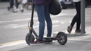 L'Hospitalet acumula más de 600 denuncias por el uso negligente de los patinetes eléctricos