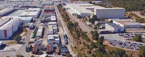 En el centro de la imagen se puede ver el cambio de altura entre la zona del Centro de Recambios (derecha) y la fábrica de Seat (izquierda)