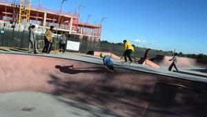 Mor un adolescent de 14 anys després de caure amb el monopatí a l'skatepark de Viladecans