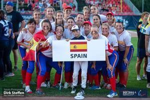 Las jugadoras de la comarca meten a la Selección Española de Softbol en el Preolímpico