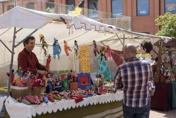 Feria de Artesanos durante el Festival de Titelles de Gavà.