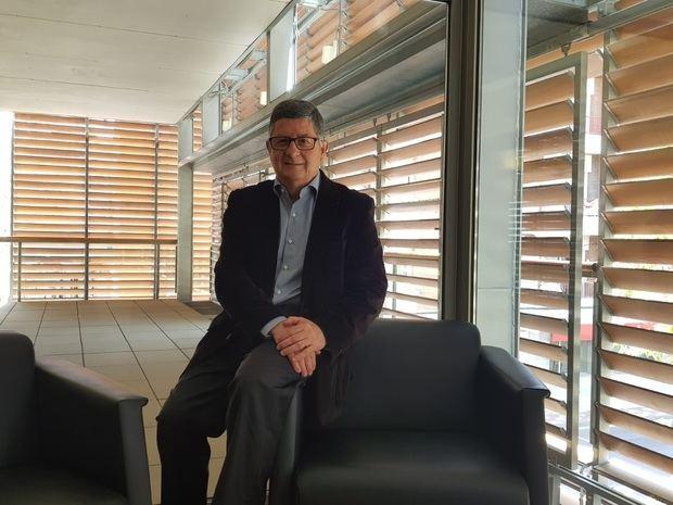 Tejedor rep El Llobregat al seu despatx.
