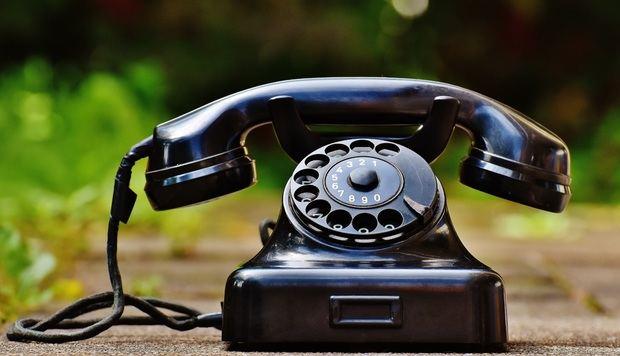 Centenares de vecinos de Esplugues y Sant Boi llevan más de dos semanas sin línea telefónica