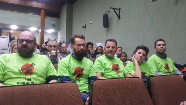 Los trabajadores de Industrias Titán, de El Prat, mantienen los paros los martes y jueves de diciembre