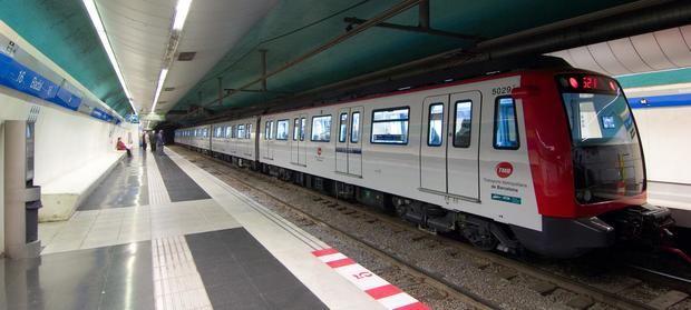El passatge del metro ha baixat fins al -90,5% i el dels autobusos fins al -93,3% aquesta setmana