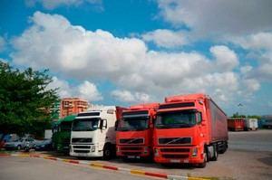Los transportistas del Baix Llobregat y de L'Hospitalet tendrán una moratoria de seis meses en el pago de préstamos