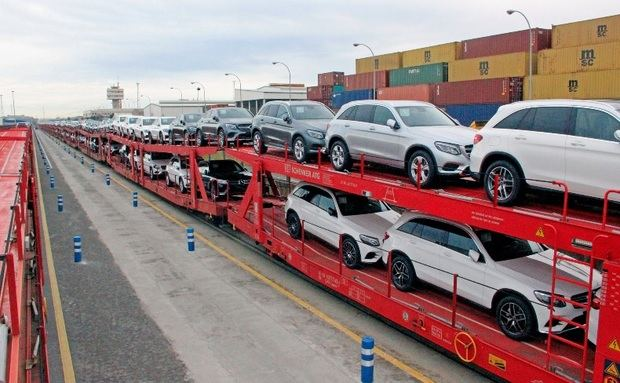 El Port de Barcelona estrena la primera conexión ferroviaria directa para vehículos entre España y Alemania