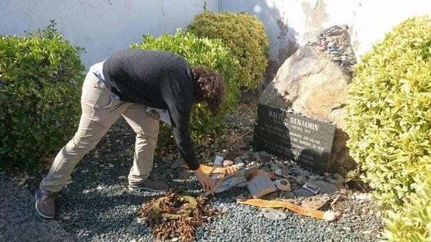Recuerdo a Walter Benjamin, en el cementerio de Portbou
