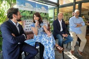 La alcaldesa de Gavà durante la presentación del proyecto turístico.