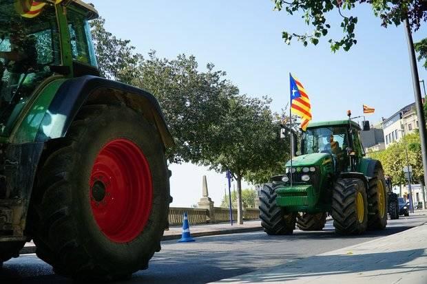 Imagen de la última marcha de tractores, este 26 de septiembre, contra el Estado por intervenir las finanzas de la Generalitat