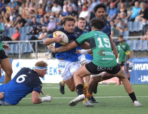Victoria contundente del equipo de rugby U.E. Santboiana contra el Bizkaia Gernika