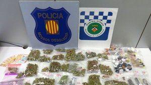 Droga incautada por los Mossos d'Esquadra y la Guàrdia Urbana de L'Hospitalet.