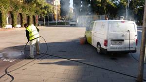 Gavà reforça el servei de neteja d'excrements de gossos