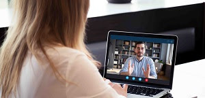 Los centros de Endesa de L'Hospitalet y Sant Boi estrenan la atención al cliente por videollamada